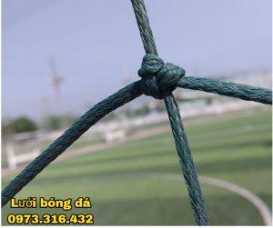 Lưới chắn sân bóng sợi ống
