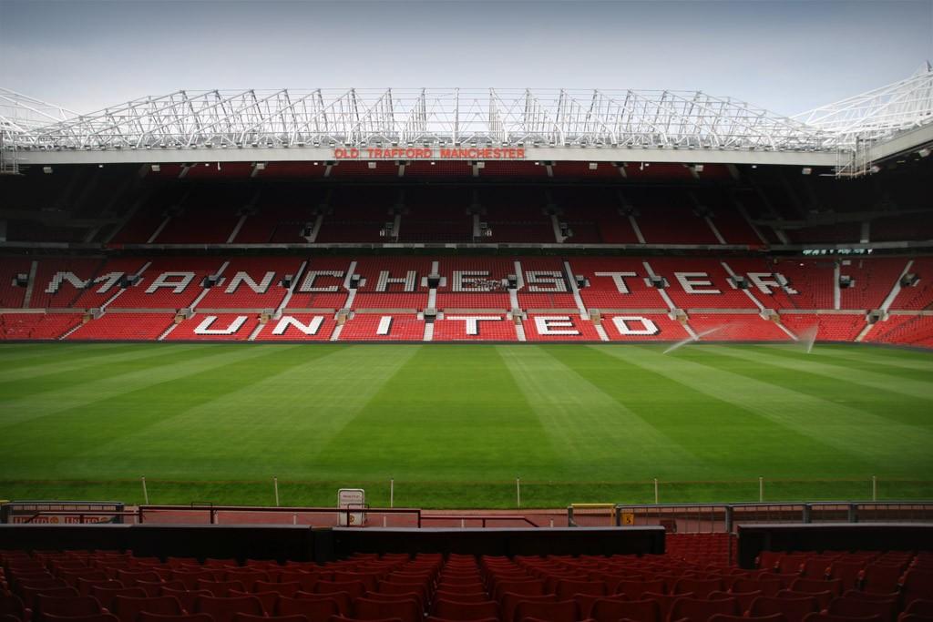 Sân bóng đá 11 người tiêu chuẩn FIFA